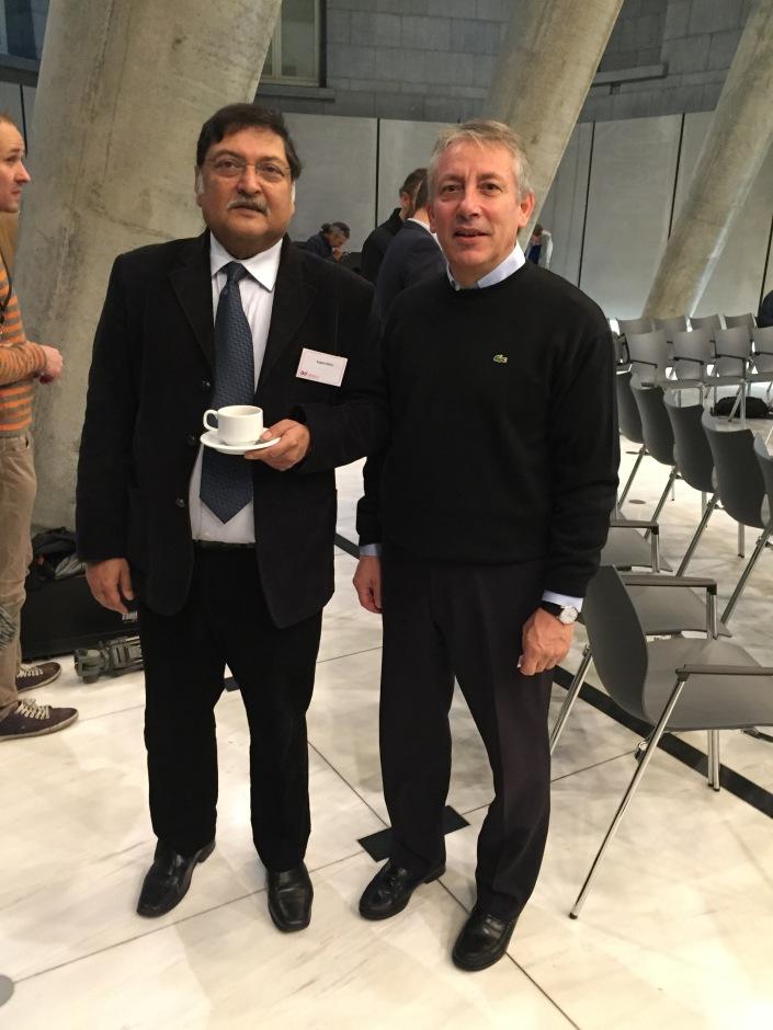 Βασίλης Οικονόμου - Sugata Mitra